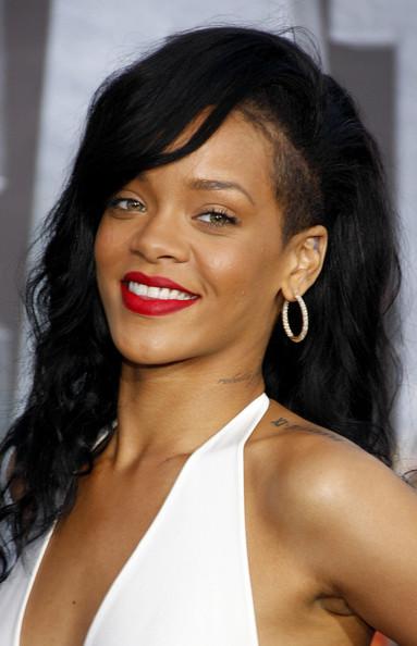 Rihanna+Makeup+Red+Lipstick+2a8nzMKHRyOl