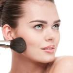 Highlighter Tepat untuk Penampilan 'Dewy Face'