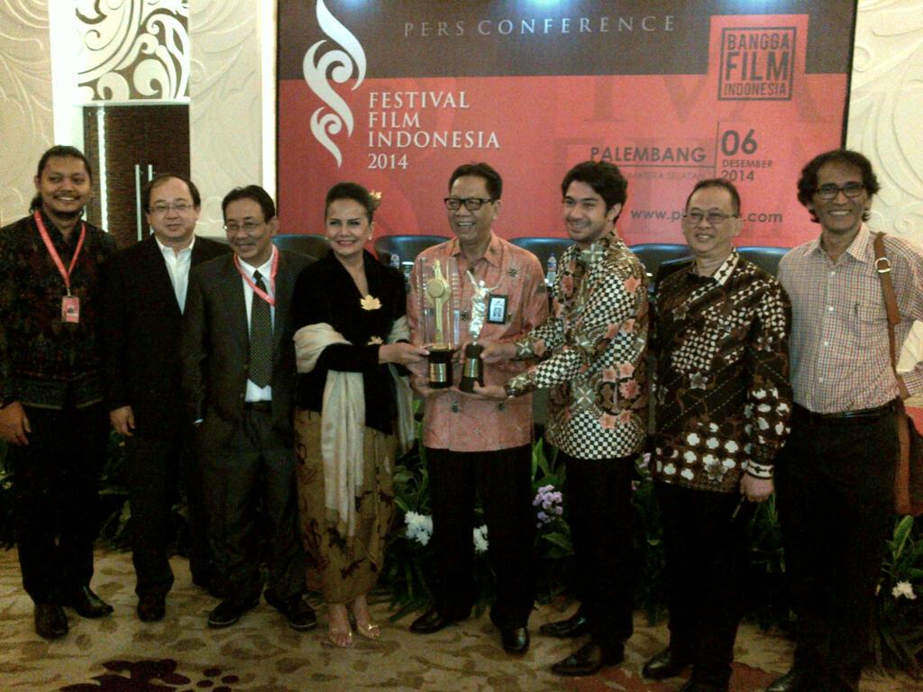 festival-film_-indonesia-2014-christine-hakim_-reza_-rahadian1