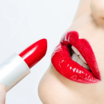 Tips Pakai Lipstik Merah Tanpa Menor