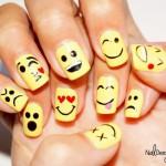 Nail Art Emoticon Smartphone, Lucu!