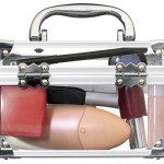 Kosmetik Praktis untuk Traveling