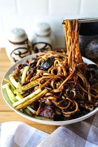 Makanan Drama Korea Jajangmyeon