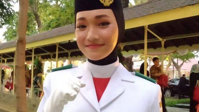 Indrian Puspita Rahmadhani Pembawa Bendera HUT ke-75 RI